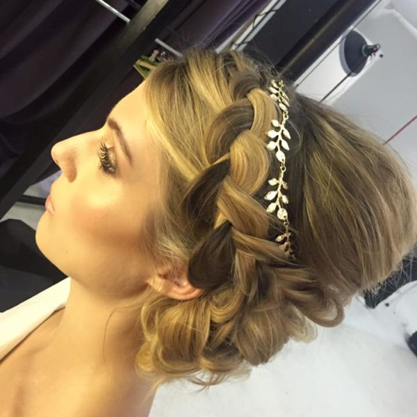 wedding hair upstyling for brides