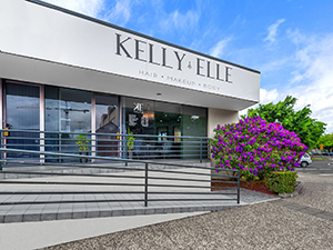 Kelly Elle Salon Exterior